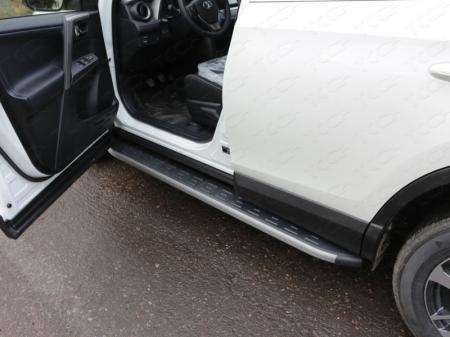 Toyota RAV4 2015 Пороги алюминиевые с пластиковой накладкой (карбон серые) 1720 мм